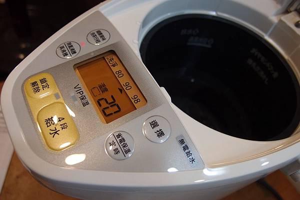 Panasonic國際牌4公升真空斷熱熱水瓶 NC-SU403P