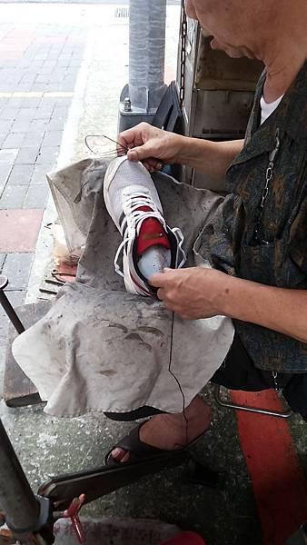 台北車站南陽街修鞋老伯