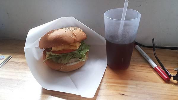 早鳥吃早餐 柚子雞肉漢堡