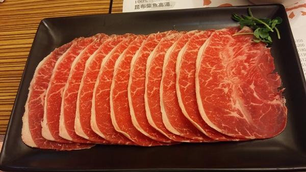 頂級牛板腱 景美美食初二十六火鍋店