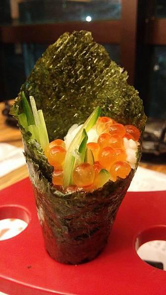 鮭魚子手捲 景美美食初二十六火鍋店