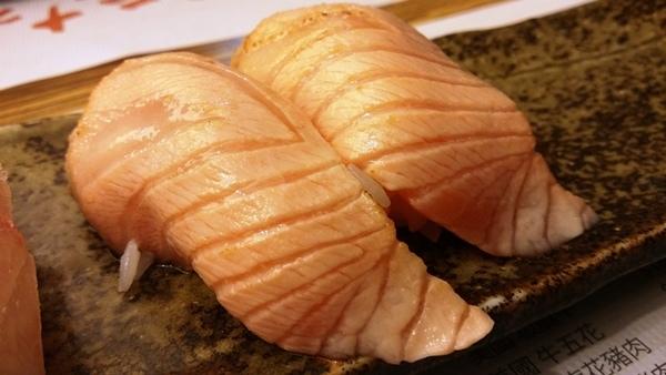 炙燒鮭魚握壽司 景美美食初二十六火鍋店