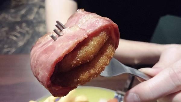12 牛肉培根圈漢堡 大魚墮落