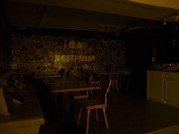 地下室1.JPG