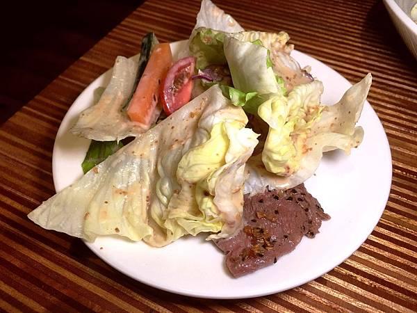 胡麻牛肉沙拉2.jpg