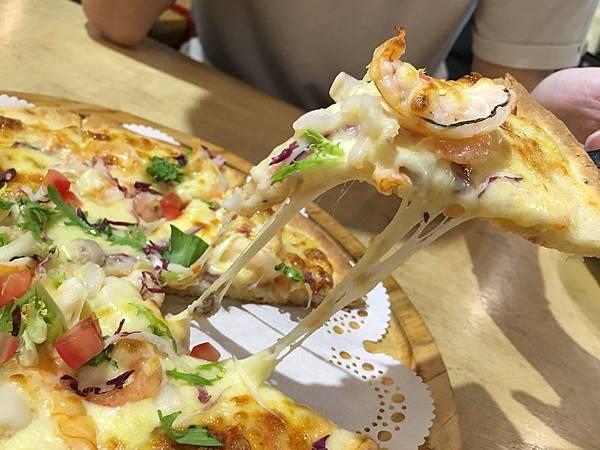 漁夫海鮮Pizza2.jpg