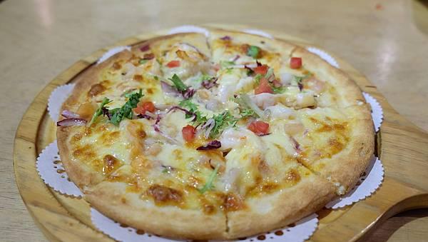 漁夫海鮮Pizza.JPG