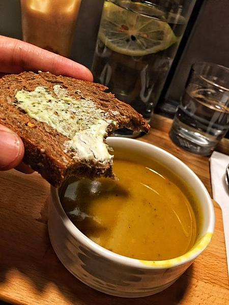 麵包南瓜湯