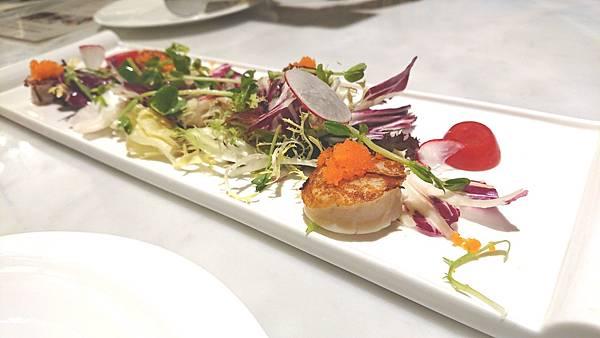 沙拉 & 前菜 : 香煎干貝1.JPG