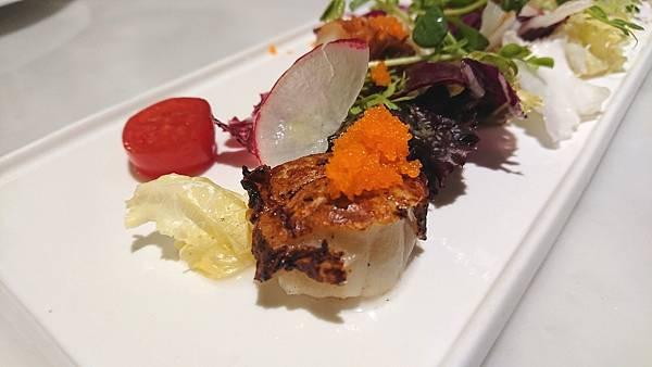 沙拉 %26; 前菜 : 香煎干貝2.JPG