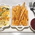 配菜:焗烤時蔬 辣味薯塊3.JPG