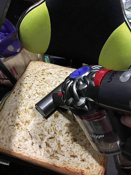 清潔椅墊 Dyson V7 Trigger 迷你電動吸頭