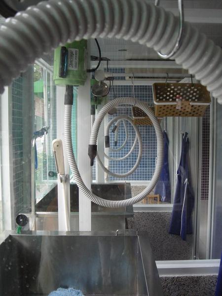 有冷熱水及吹水機.JPG