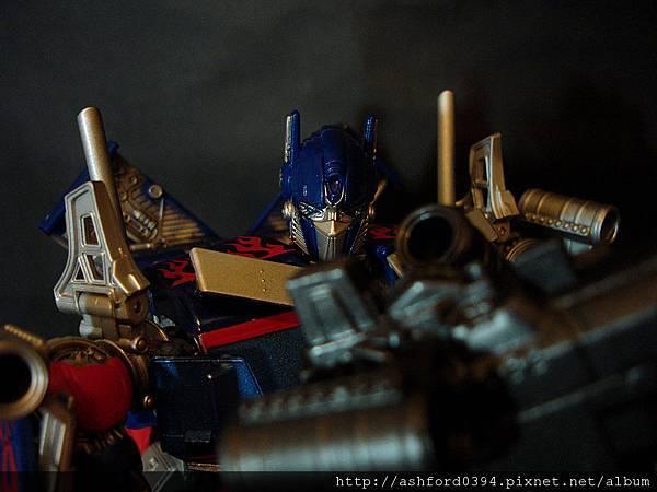 DOTM-DA15  Optimus Prime