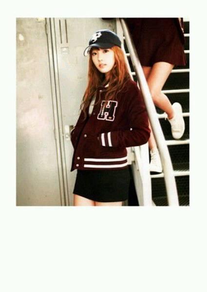 girl_pic_s3_50.jpg