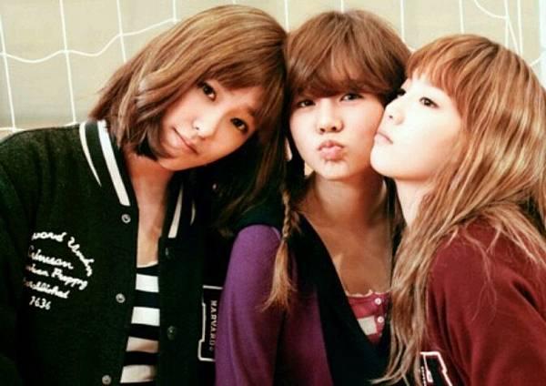 girl_pic_s3_98.jpg
