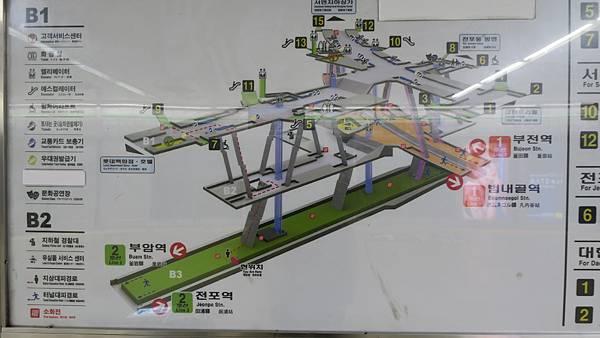 IMG_2826_西面站.JPG