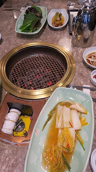 IMG_2839_飯店附近午餐、烤肉店.JPG