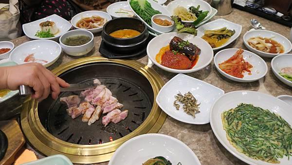 IMG_2843_飯店附近午餐、烤肉店.JPG