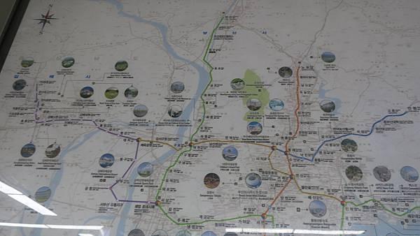IMG_2904_車站內的釜山觀光地圖.JPG