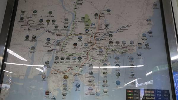 IMG_2905_車站內的釜山觀光地圖.JPG