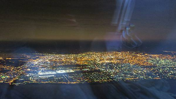 IMG_2953_飛機上的台灣夜景.JPG