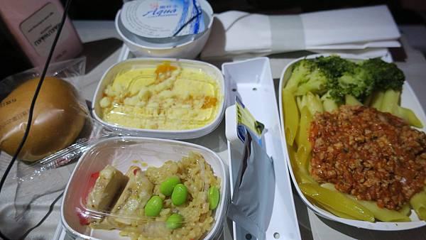 IMG_0031_D1_飛機餐.JPG