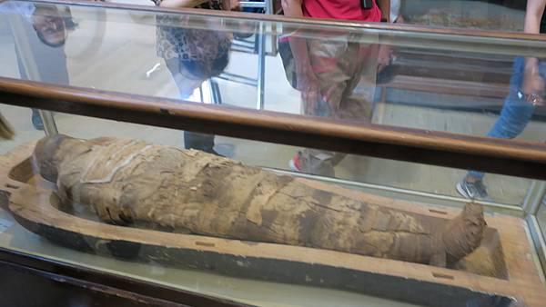 IMG_0194_D2_埃及博物館_五大重點_哭泣的木乃伊.JPG