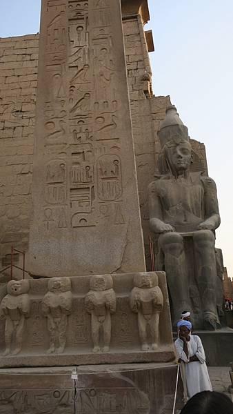 IMG_0703_D5_Luxor Temple路克索神殿_方尖碑.JPG