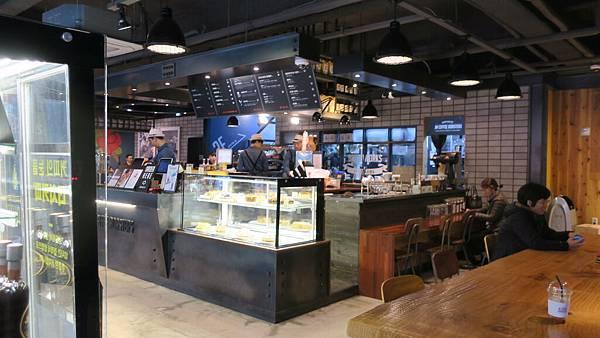 IMG_0055_西面站附近_JM coffee.JPG