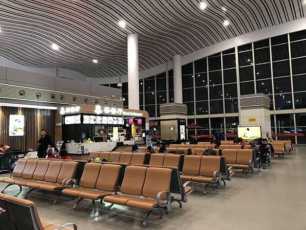 IMG_0287_D1_中轉蘭州機場.JPG
