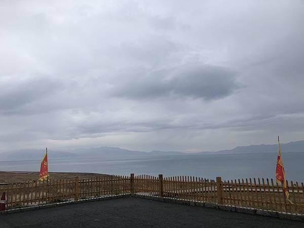 IMG_1389_D7_賽里木湖(下雨中).JPG