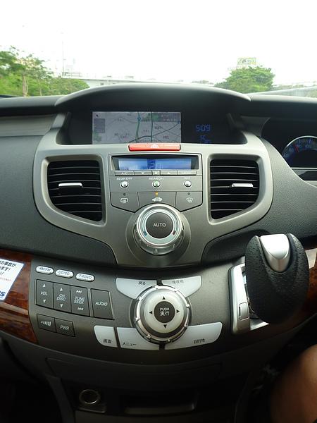 P1020339 沖繩愛車的儀表板.JPG