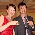 新郎新娘,敬--酒--囉--