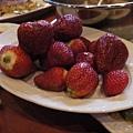 中看不中吃的草莓...囧