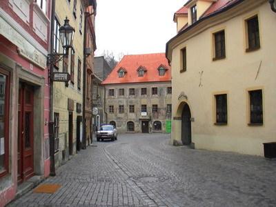 童話小鎮裡的石板道路