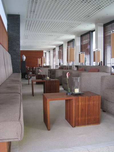 超寬敞的lobby