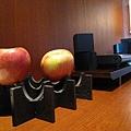 這兩顆大蘋果送給泥~