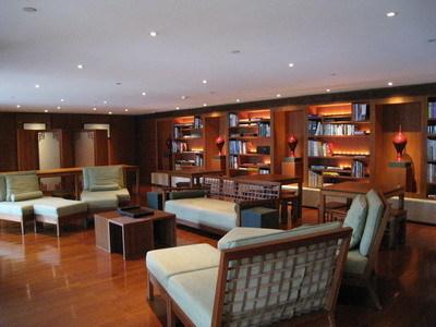 頗大的圖書室