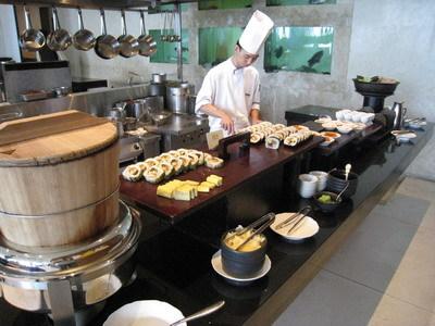 日式料理區(不要懷疑,壽司真的是師傅現做的喔)
