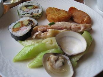 壽司也是超好味的(我吃了4個-_-)