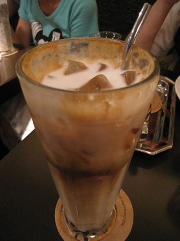 喝起來普普的拿鐵咖啡
