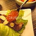 生菜夾蒜加醬包肉.JPG