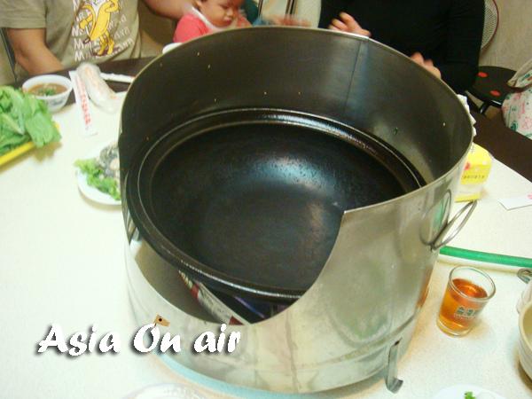 吃火鍋加鍋邊蓋?