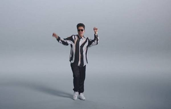 bruno-mars-thats-what-i-like_9752527-1994_1800x945.jpg