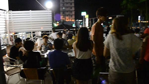 DSC_0070.MOV_snapshot_00.07_[2011.10.01_20.00.43].jpg
