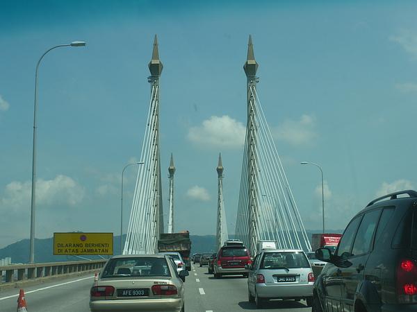 一樣是跨海大橋
