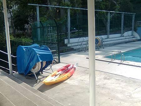 游泳池畔-3