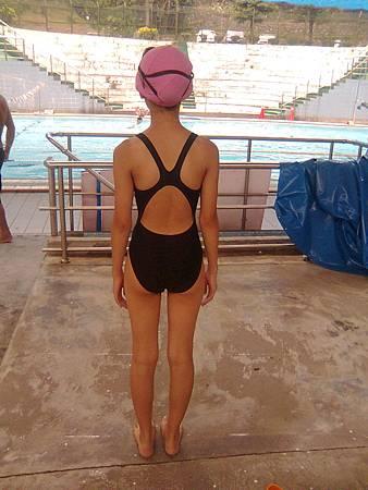 2014女兒與泳池