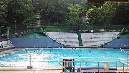 20150724大雨中的游泳池